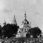 Никольский монастырь. Въездные ворота с надвратной церковью